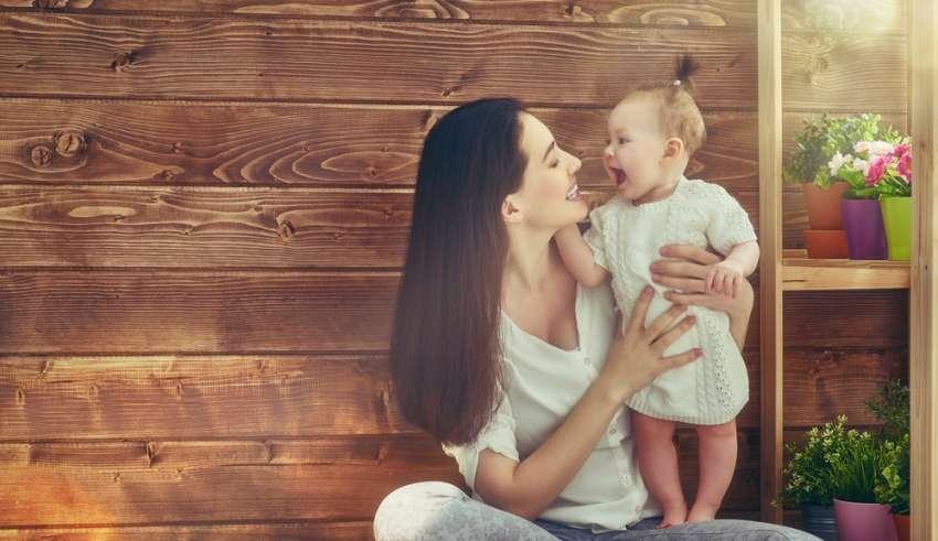 Cómo cuidar de sí misma puede convertirla en una mejor mamá