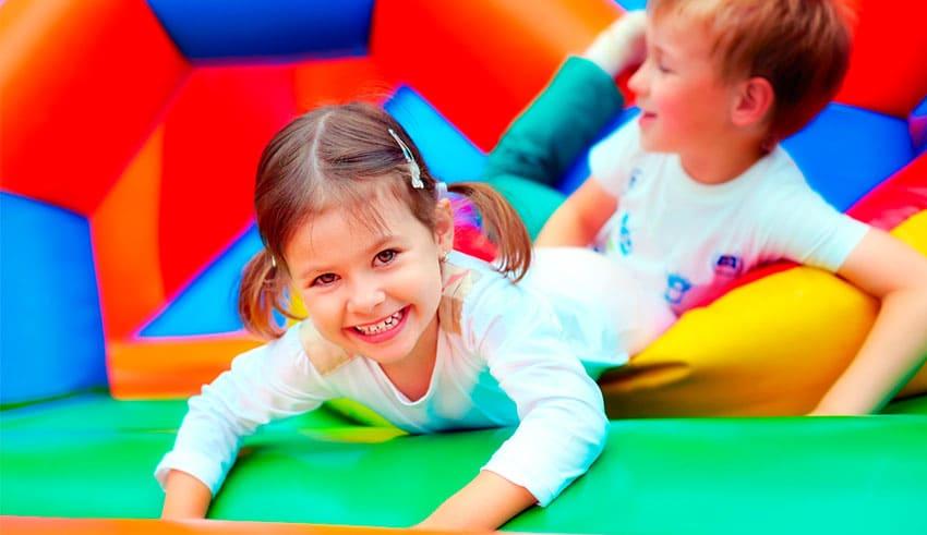 Casas inflables para brincar: Información de seguridad para los padres