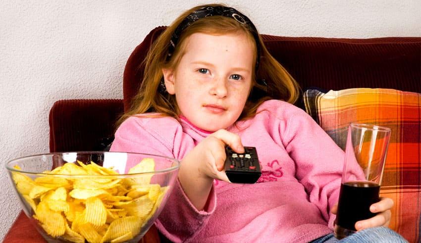 Las comidas y la televisión no son una mezcla sana