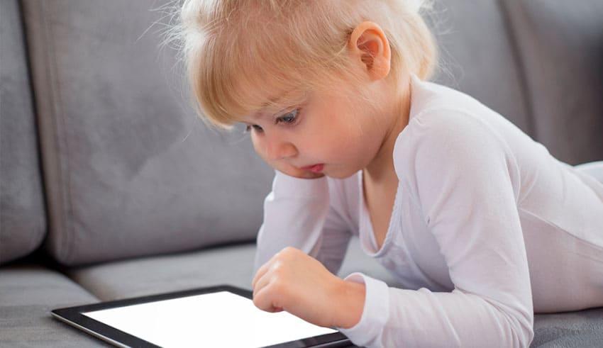 Recomiendan limitar uso de la tecnología en niños