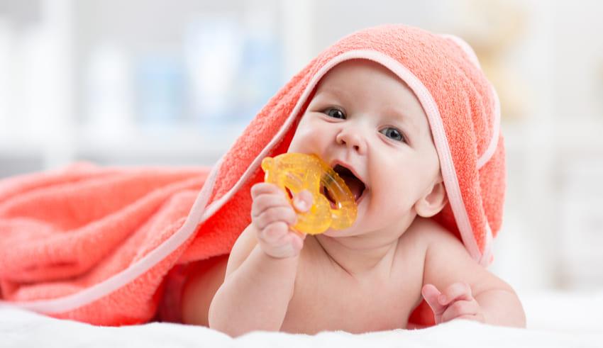 Consejos para aliviar el dolor de encías de tu bebé