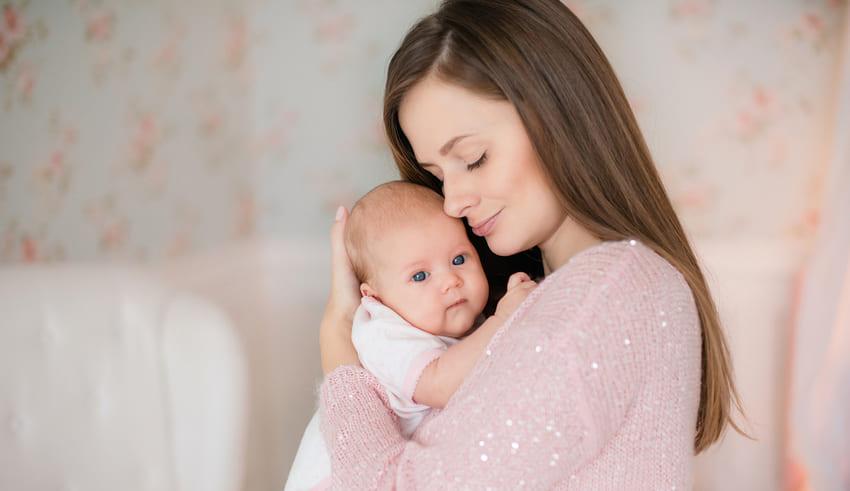 Cómo ayudar al bebé a expulsar los gases