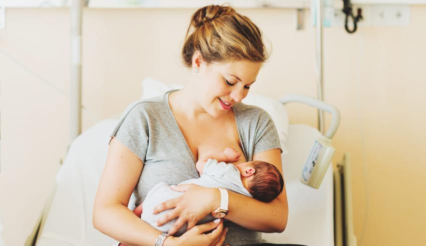 Lactancia materna, indispensable en las primeras horas de vida
