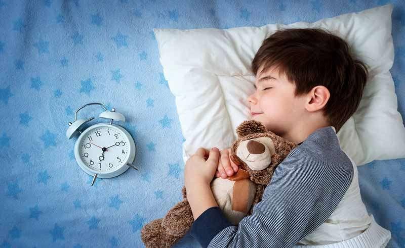 ¡Mi hijo moja la cama!