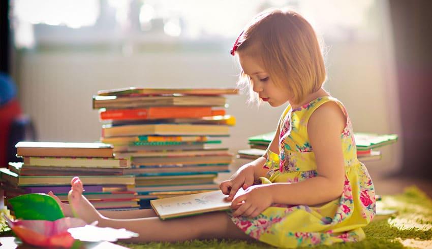 como-ayuEn palabras de ellos: Cómo ayudar a niños en edad preescolar a lograr un buen comienzo en la lectura y en la adquisición de conocimientosdar-a-ninos-en-edad-preescolar-a-lograr-un-buen-comienzo-en-la-lectura