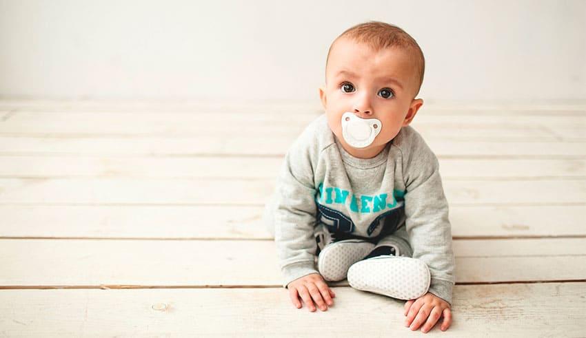 Desarrollo emocional: Niños de 1 año de edad