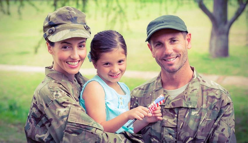 Familias militares: Apoyo para el cuidado infantil durante los despliegues militares