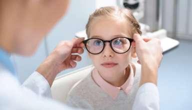 Cuida la salud visual de tus hijos en 4 pasos