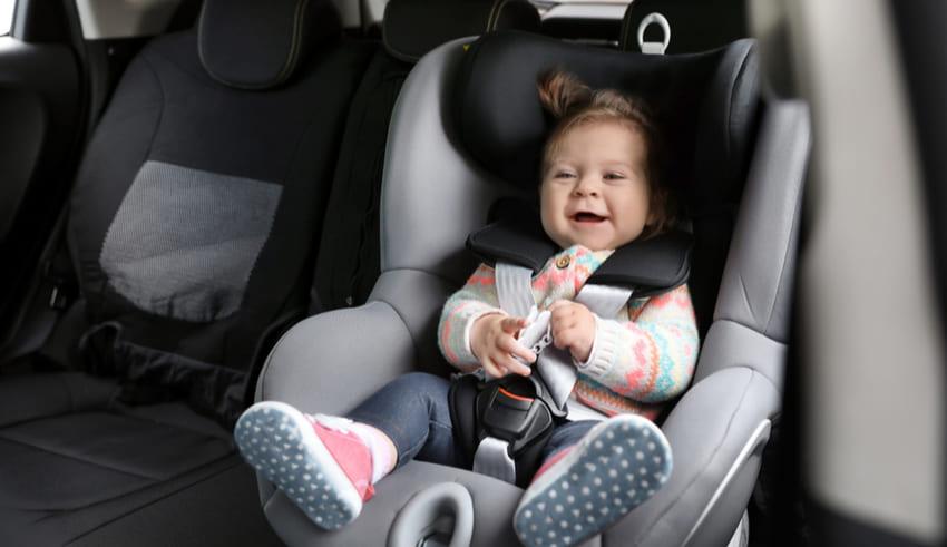Conoce cómo elegir la silla adecuada para tu bebé