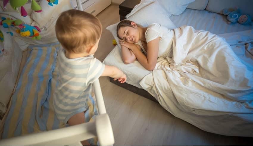 Mi bebé ya no duerme en su horario: ¿a qué se debe?