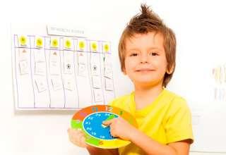Enseña disciplina a los niños con las tablas de rutina