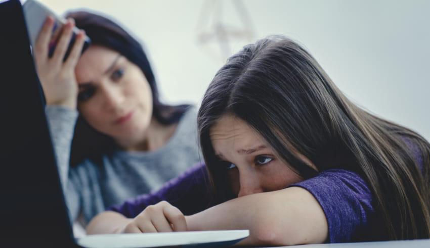 Guía para padres sobre ciberbullying, cómo actuar si se detecta