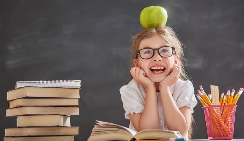 7 consejos clave para enseñar a los niños a ser felices en el colegio