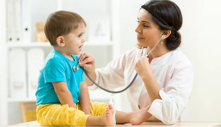 La AAP publica el esquema actualizado de periodicidad para las visitas de control del niño sano para bebés, niños y adolescentes