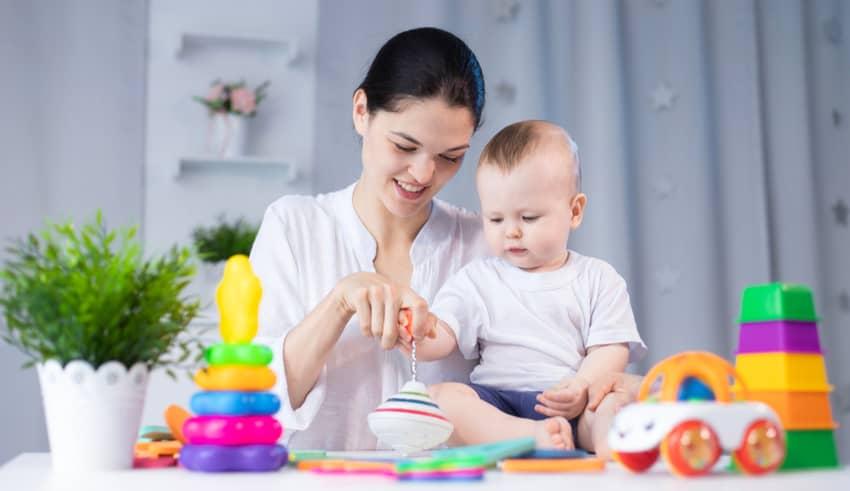 5 cosas que hacemos mal al estimular al bebé y perjudican su aprendizaje