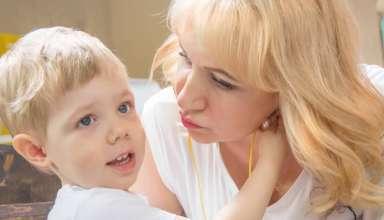 Por qué no debemos obligar a los niños a besar