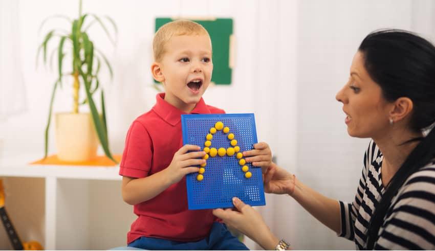 Técnicas para enseñar a un niño con autismo las letras y los números
