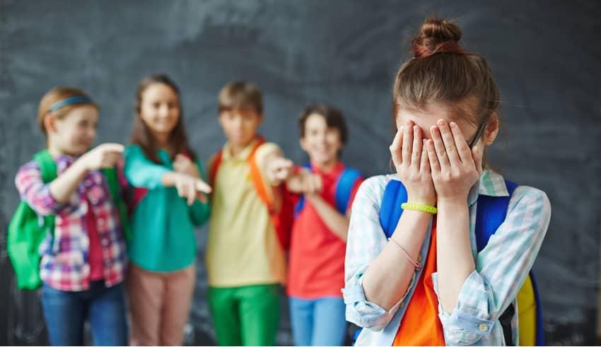 9 trucos eficaces para enseñar a tu hijo a manejar las burlas sin sufrir