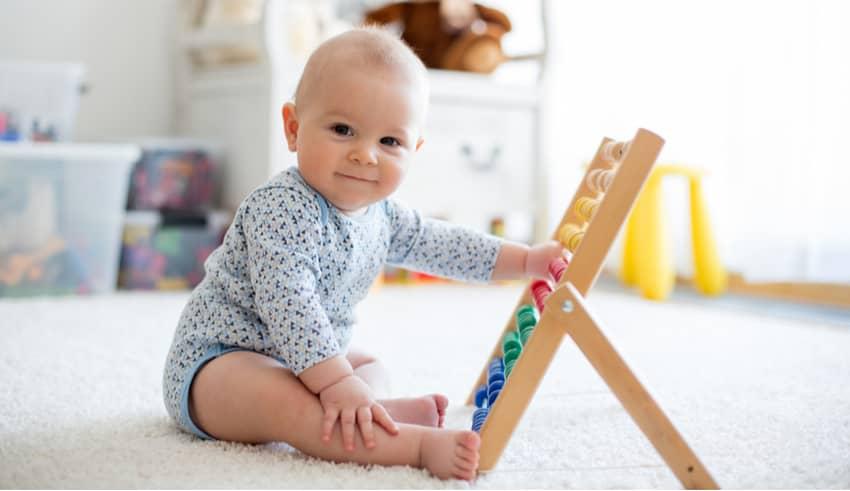 Cómo estimular al bebé según el método Montessori