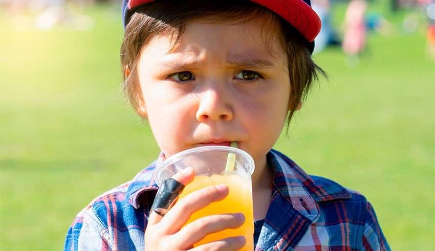 Medidas para reducir el consumo de bebidas azucaradas en niños y adolescentes