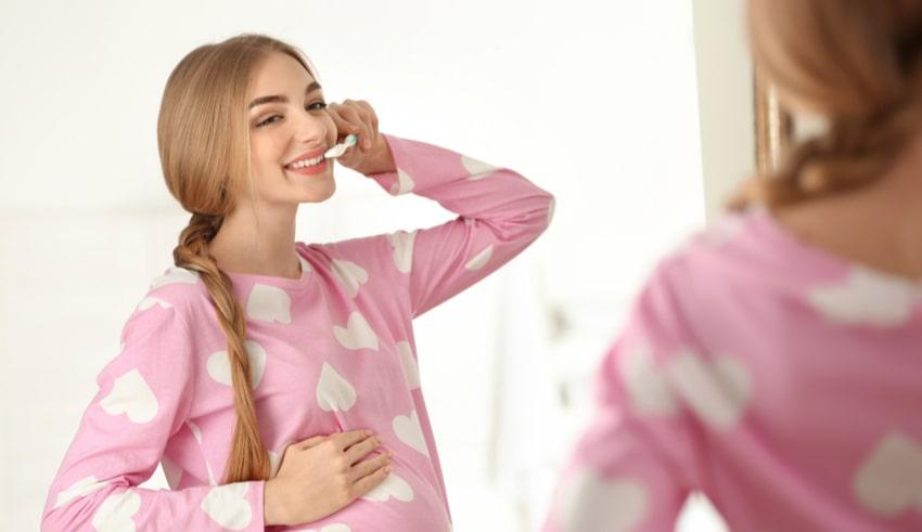 Mala higiene oral en mujeres embarazadas podría generar preeclampsia