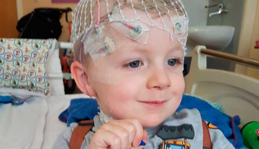 El niño con el misterioso síndrome sin nombre que desconcierta a los médicos