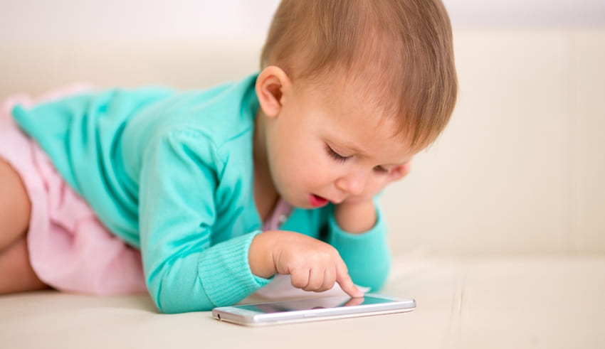 10 motivos para prohibir los smartphone a niños
