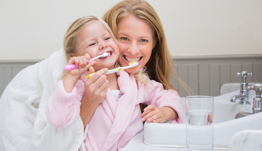 Hábitos saludables para que tu hijo tenga una sonrisa sana