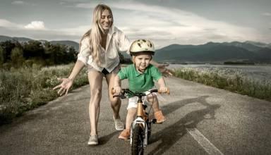 Los niños que se acostumbran a ir en bicicleta van desarrollando un hábito saludable que se prolongará en la edad adulta.