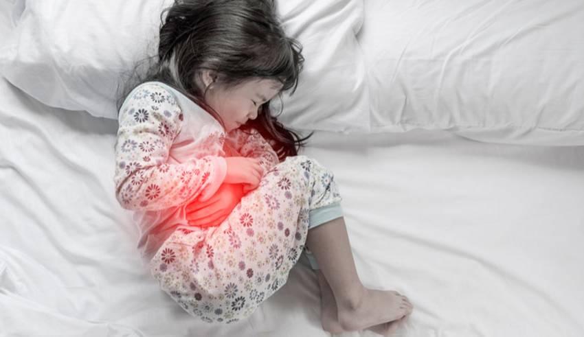 Si su hijo presenta constantemente diarreas crónicas, dolor abdominal y pérdida abrupta de peso, podría estar padeciendo alguna enfermedad inflamatoria intestinal como la enfermedad de Crohn.