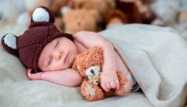 Cepillarse los dientes, leer un cuento e ir a la cama son las recomendaciones que realiza la American Academy of Pediatrics.