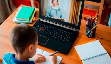 Encuentra un lugar apropiado para crear un espacio de trabajo en el que tus hijos se sientan cómodos y logren concentrarse.