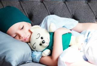 Existen algunos efectos que no solo pueden afectar la parte física de la población pediátrica sino también existen algunas repercusiones en el estado anímico del paciente lo que influye en el equilibrio psicológico del niño.